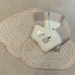 NEW Vintage Crochet Placemats and Cloth Napkins